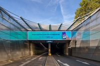 Piccadilly Underpass: Dales 260 Shadex Cassette Panel Brise Soleil/ Solar shading: Curved to 2 radii